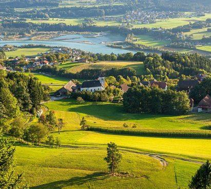 De drauradweg door het Rosental in Oostenrijk